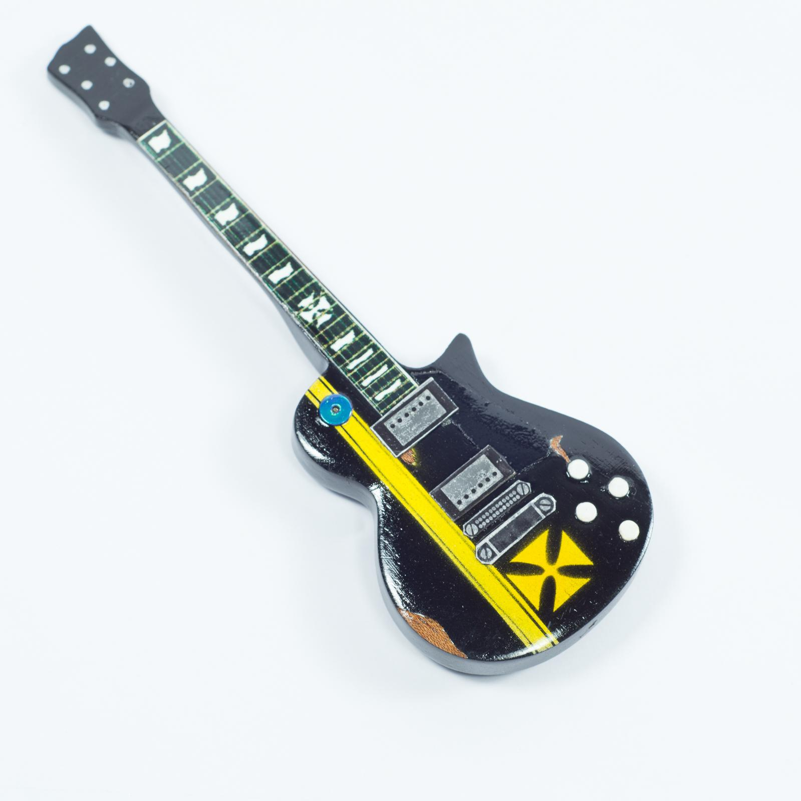 Guitar Shaped Magnet For Fridge - Metallica - James Hetfield - Iron Cross